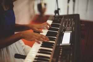 Electronic keyboard. ELI5: 5 ways to charm or disarm